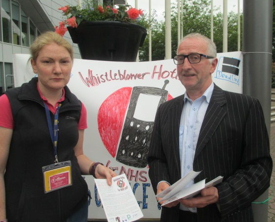 Me giving Danny a flyer outside the SECC just after I had been ejected.